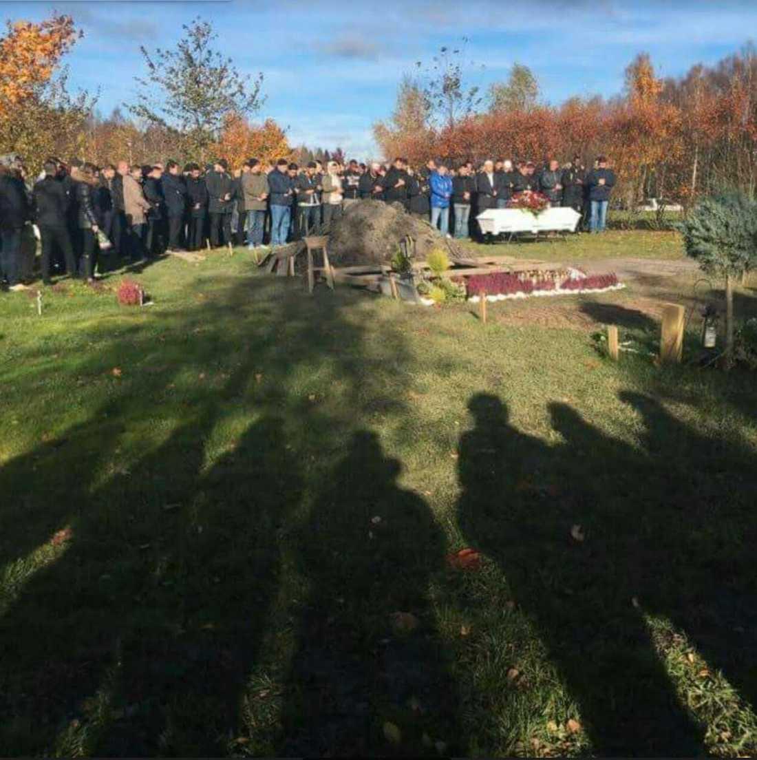 Här begravdes 18-årige Valerin Nikq.