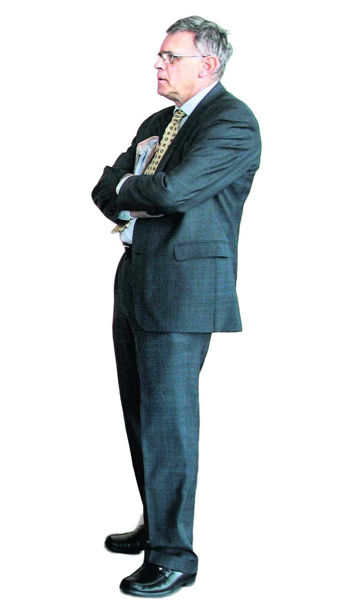 Folkpartiets Carl B Hamilton.