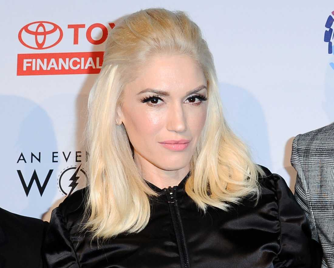 Gwen har rockat en diskret läpp och utsläppt hår senaste tiden.