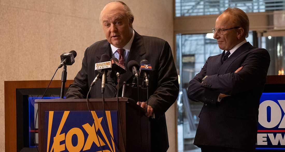 Formidabel tv-skurk. Russell Crowe spelar Fox News vd Roger Ailes och Simon McBurney är kanalens ägare Rupert Murdoch.