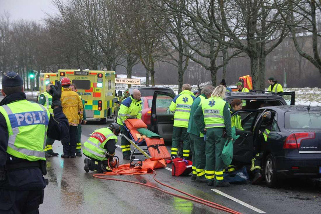 Flera personer fördes till sjukhus efter kökrocken i Uppsala.