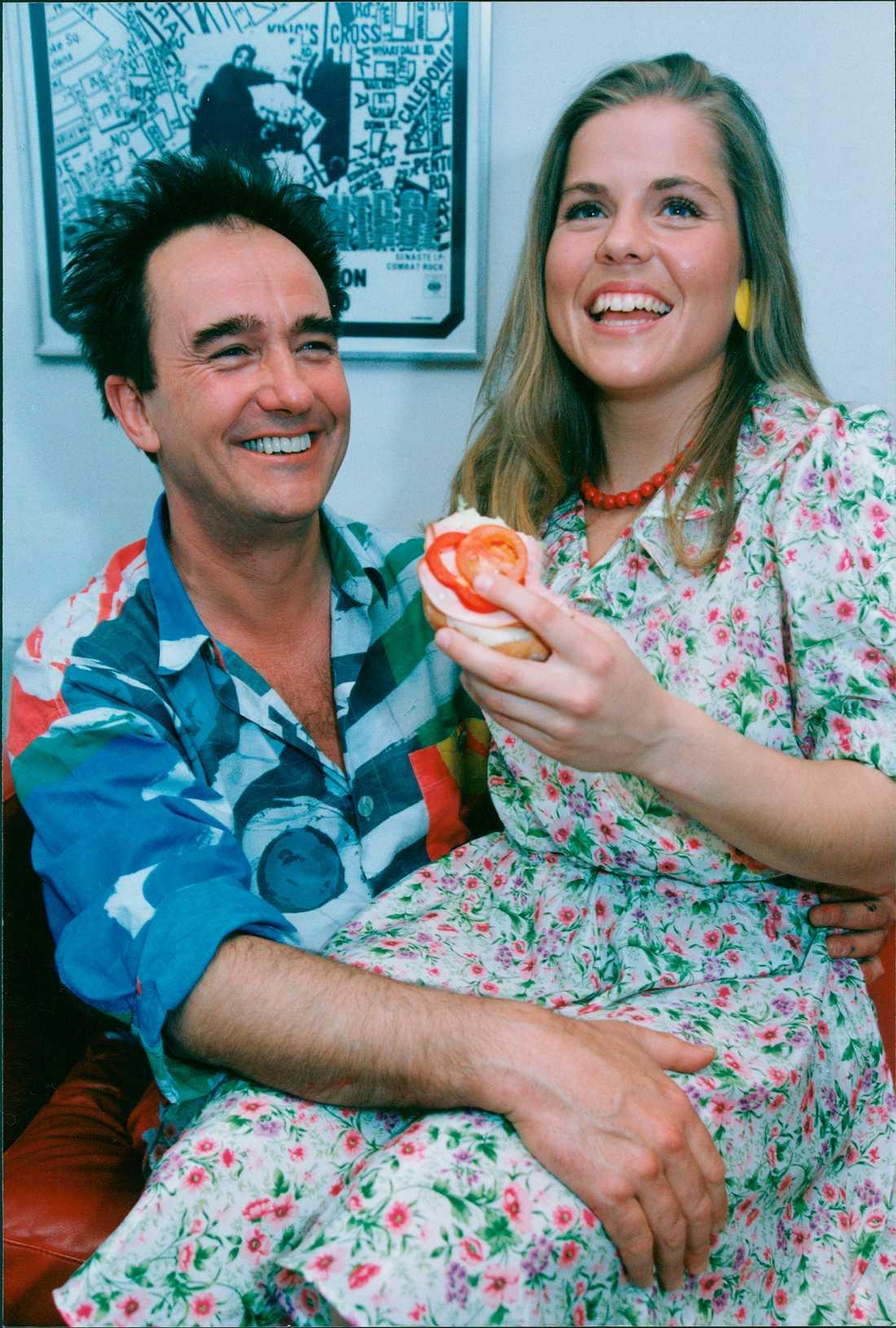 Robban Broberg och skidhjälten Pernilla Wiberg 1991.