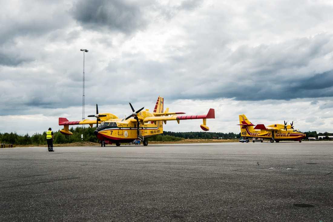 Franska och italienska brandflyg lånades in under sommaren 2018 för att hantera skogsbränderna.
