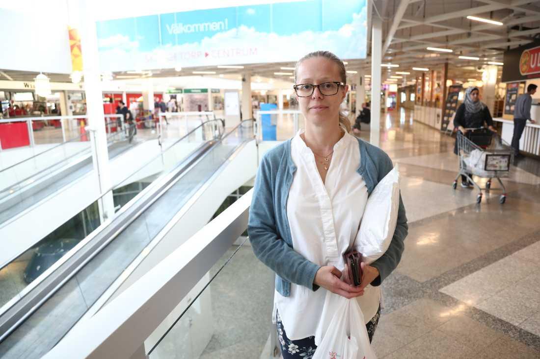 Anna Berg besöker Skäggetorp med jämna mellanrum och hennes intryck av området är blandat.