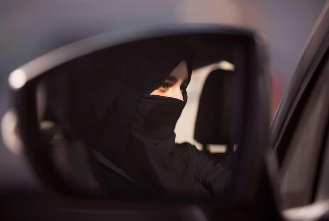 Den 24 juni 2018 infördes officiellt det kungliga dekret som innebar att kvinnor tilläts ta körkort och köra bil i Saudiarabien. Arkivbild.