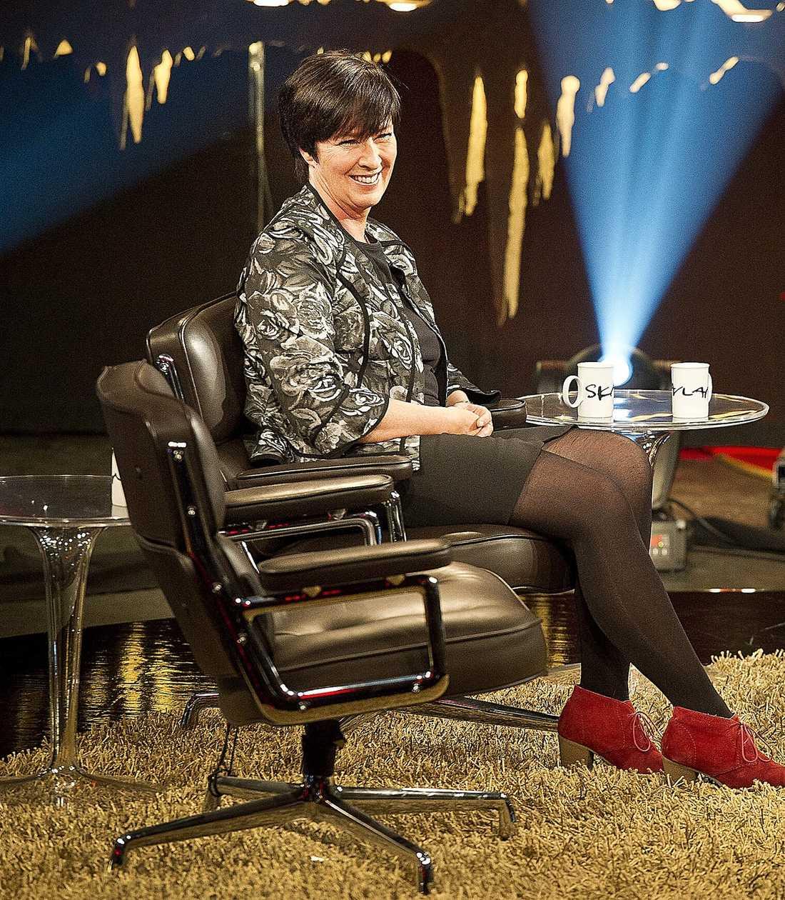 """LÄTTAR SITT HJÄRTA Mona Sahlin har varit tyst om Socialdemokraterna den senaste tiden, men i kväll talar hon ut i """"Skavlan""""."""