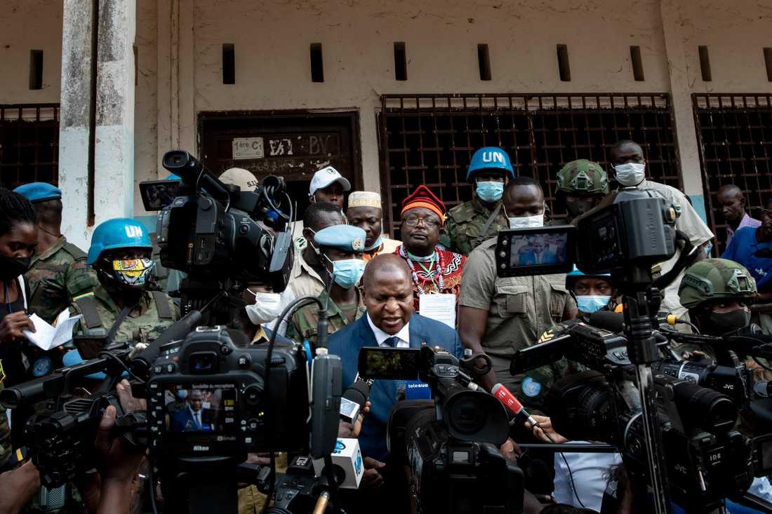 President Faustin-Archange Touadéra i samband med valet i Centralafrikanska republiken den 27 december.