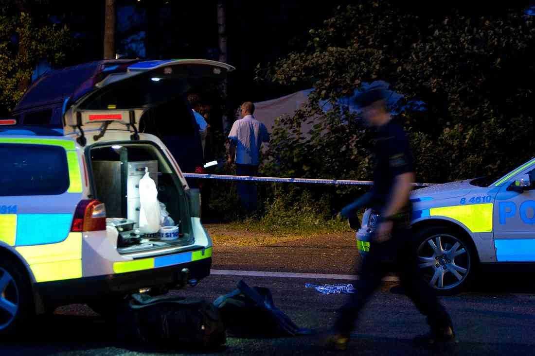 Polisen vid brottsplatsen i Sparsör