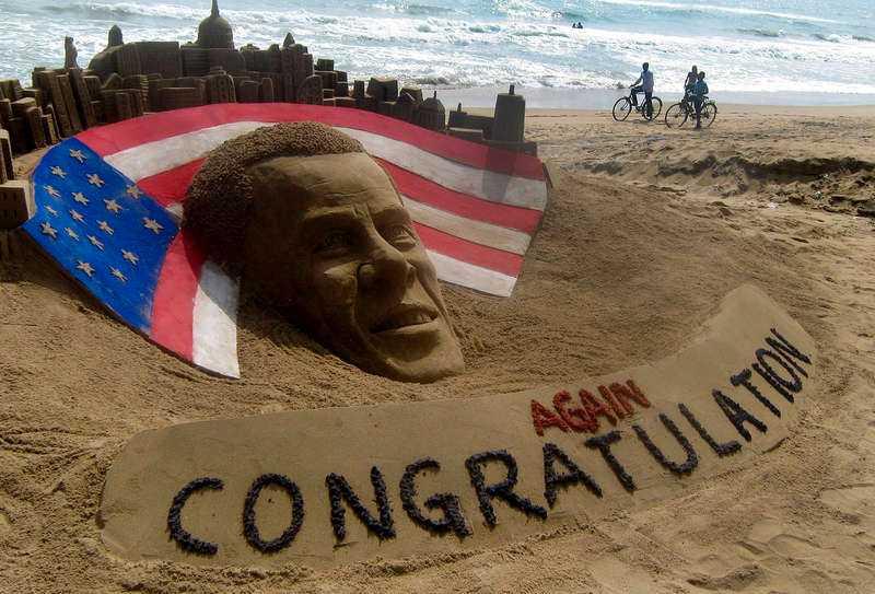 Konstnären Sudarshan Pattnaik har gjort en sandskulptur av Obama på Puri beach, sju mil öster om den indiska staden Bhubaneswar