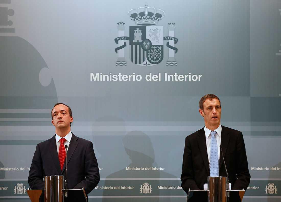 Europols Rob Wainwright och Spaniens inrikesminister Francisco Martinez under presskonferensen där de berättade om tillslaget mot ligan.