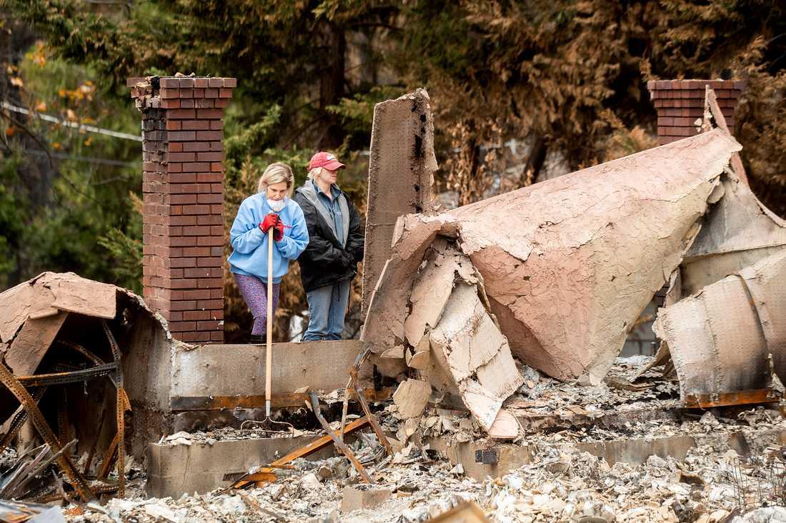 Resterna av ett av de tusentals hem som förstördes av Camp Fire-elden i norra Kalifornien i november. Bilden är tagen den 4 december.