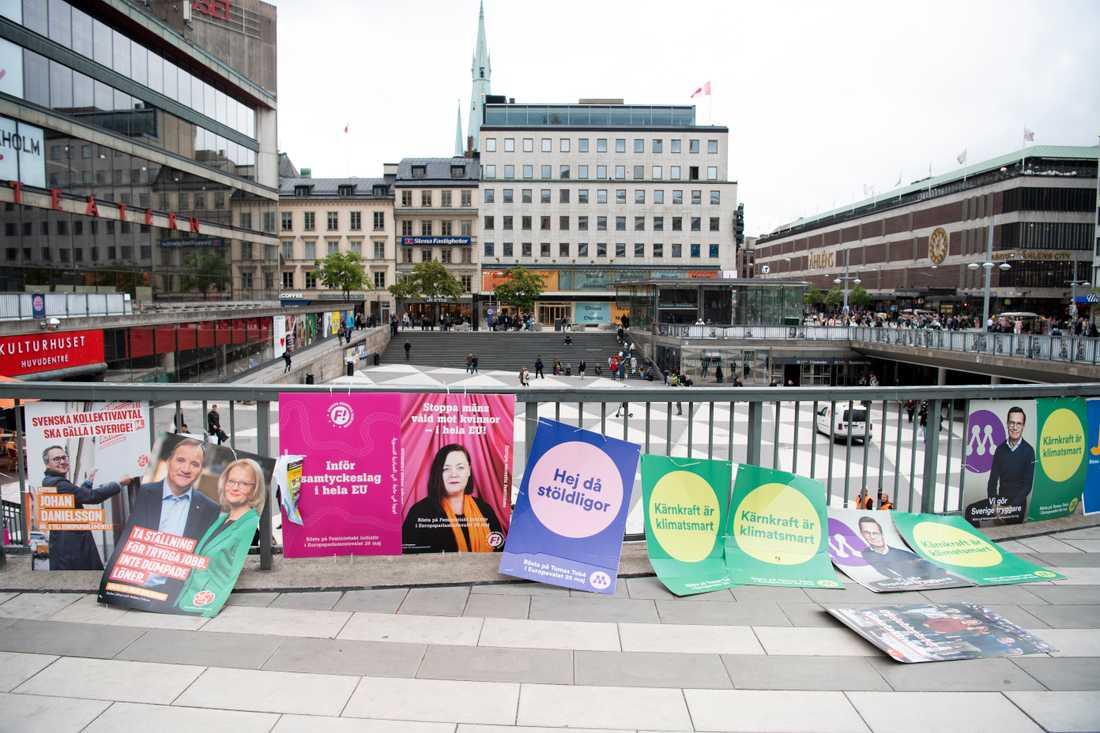 EU-valaffischer på Sergels Torg i Stockholm.