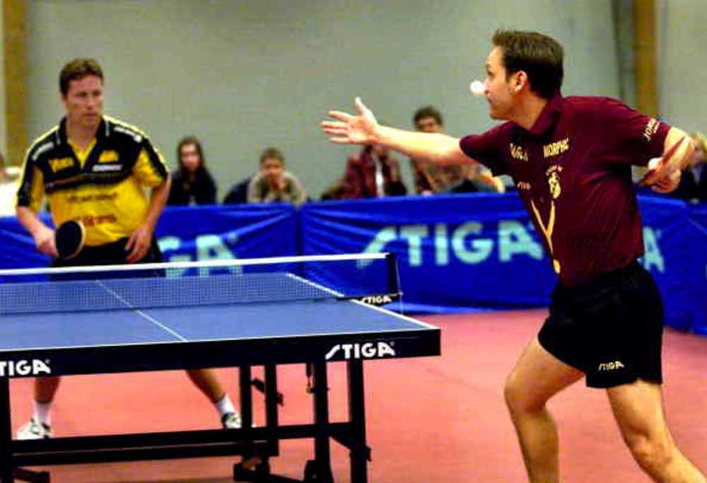 Mikael Appelgren i match med J-O Waldner
