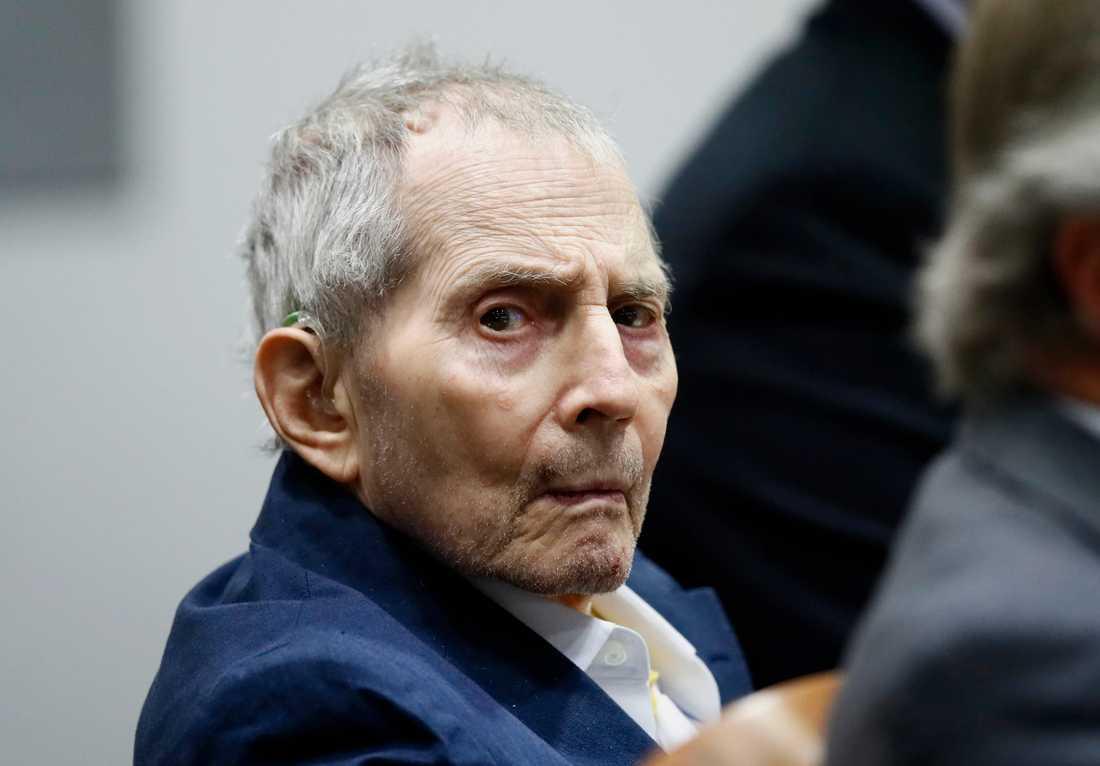 """Mordrättegången mot Robert Durst har inletts. Den 76-årige amerikanske multimiljonären var huvudperson i HBO:s uppmärksammade dokumentärserie """"The jinx""""."""