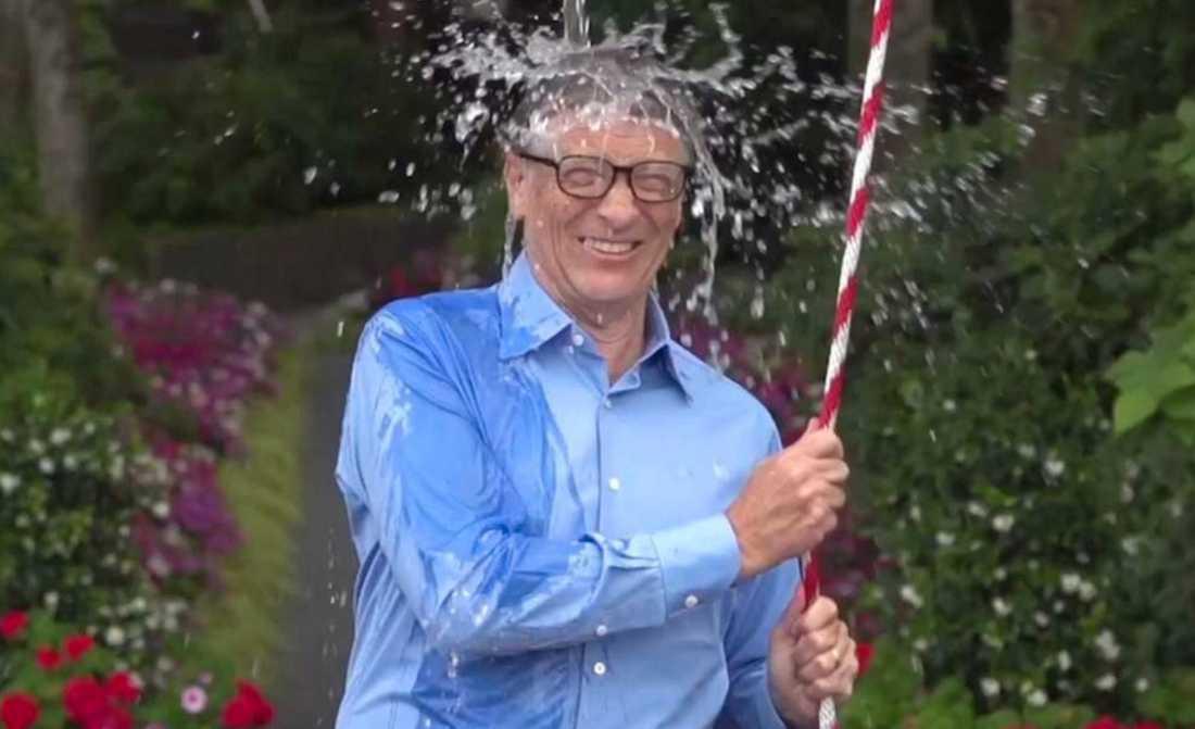 Bill Gates när han antog utmaningen.