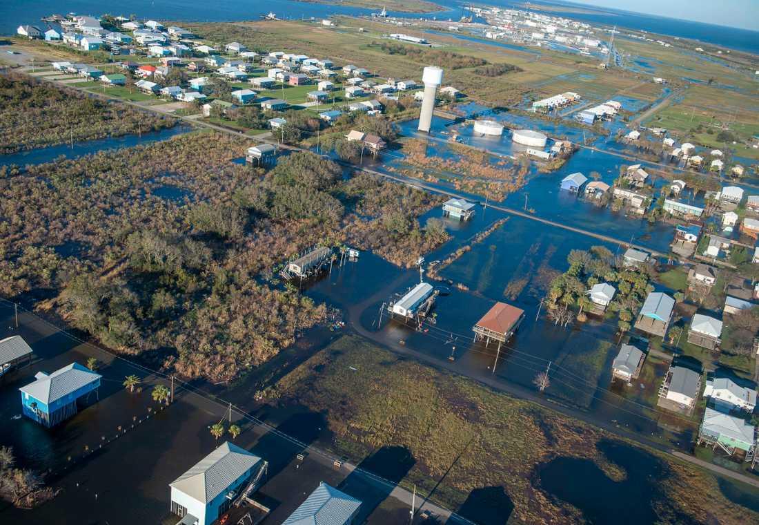 Översvämningar i Louisiana efter ovädrets framfart.