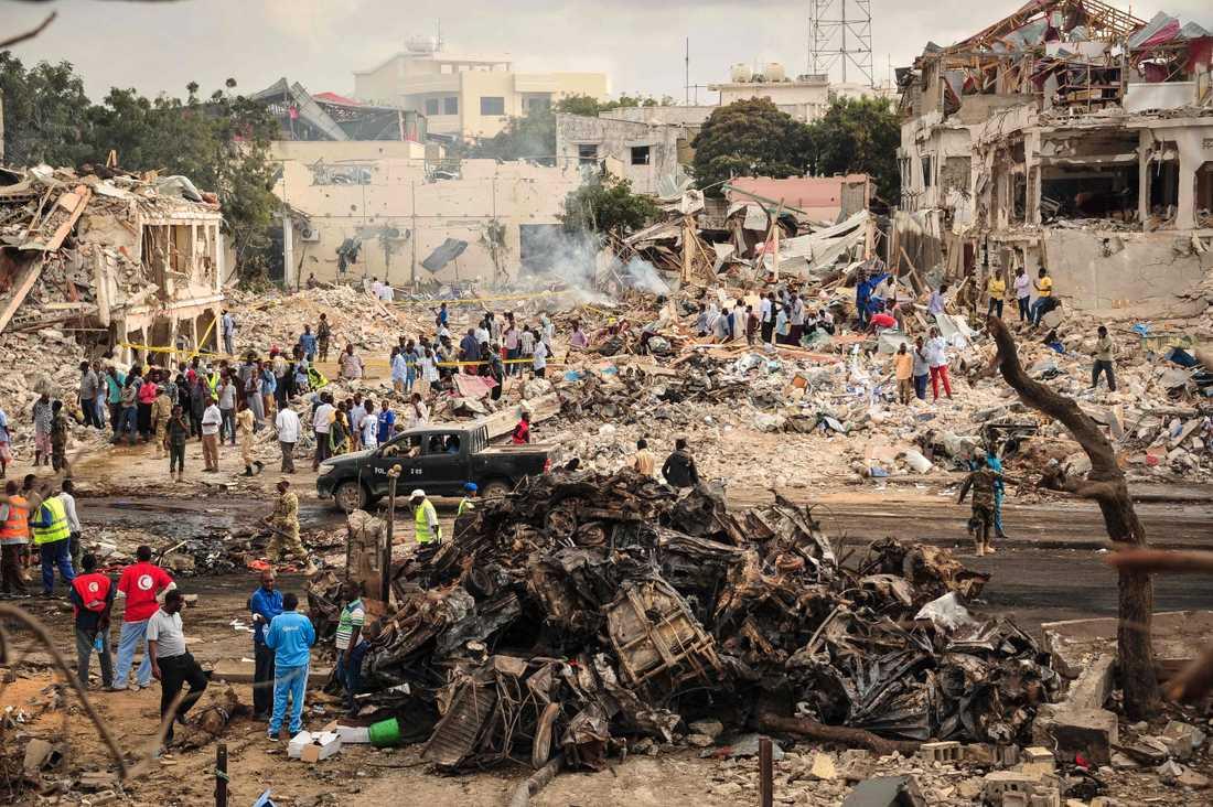 Antalet döda efter bombattentatet i Mogadishu stiger kraftigt