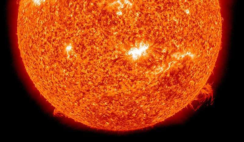 Det senaste solutbrottet är det största på över fyra år och av den starkaste typen, så kallade X-flares.
