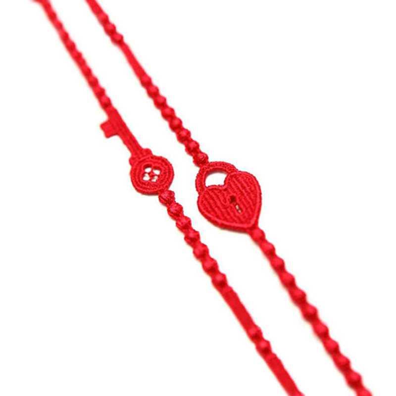 Två armband från Cruciani med ett hjärta och en nyckel som du kan dela med din älskling eller din vän, 149 kronor, Kyssjohanna.se.