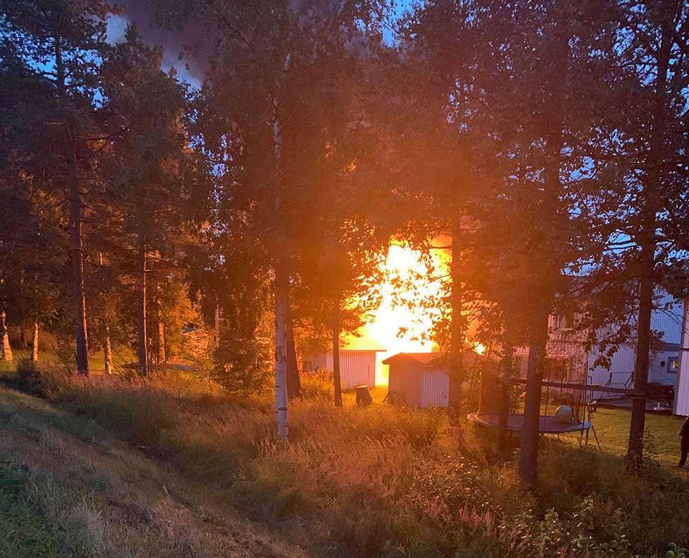 Branden startade i en carport.
