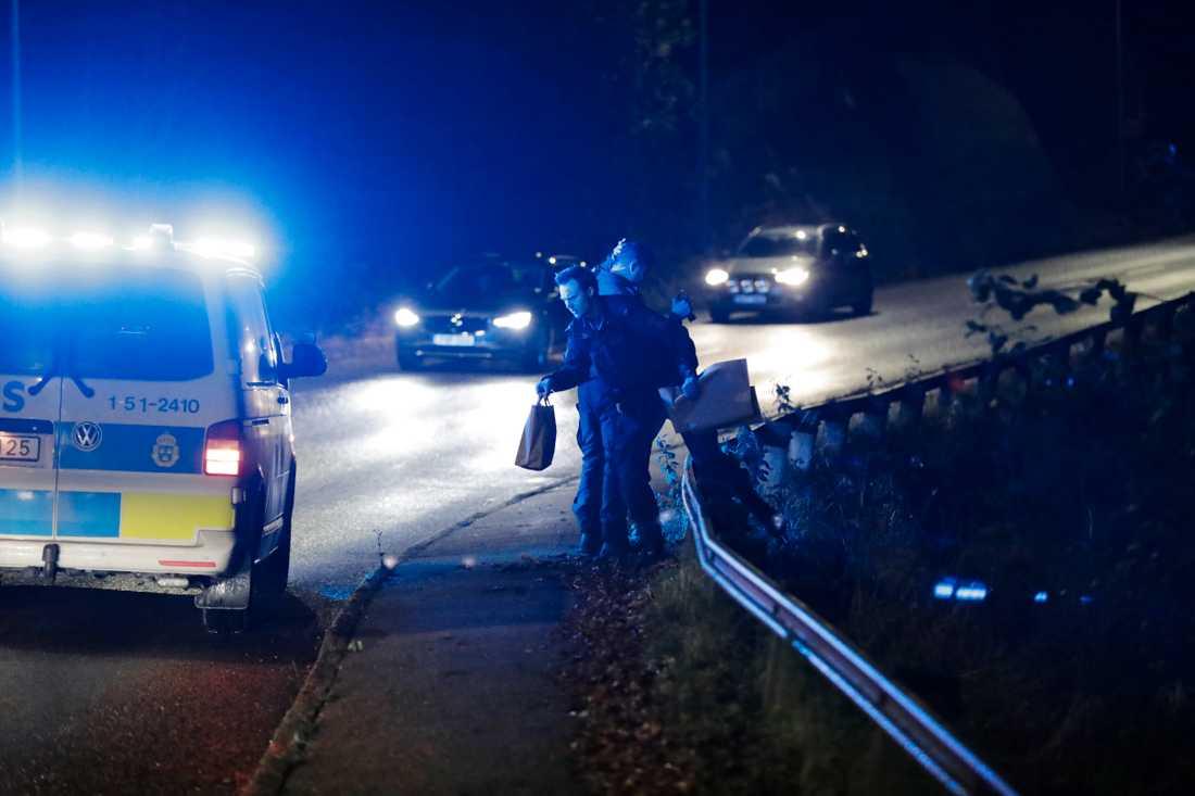Polisen flyttade sent på onsdagskvällen tillbaka sökandet efter försvunna Wilma till Uddevalla.