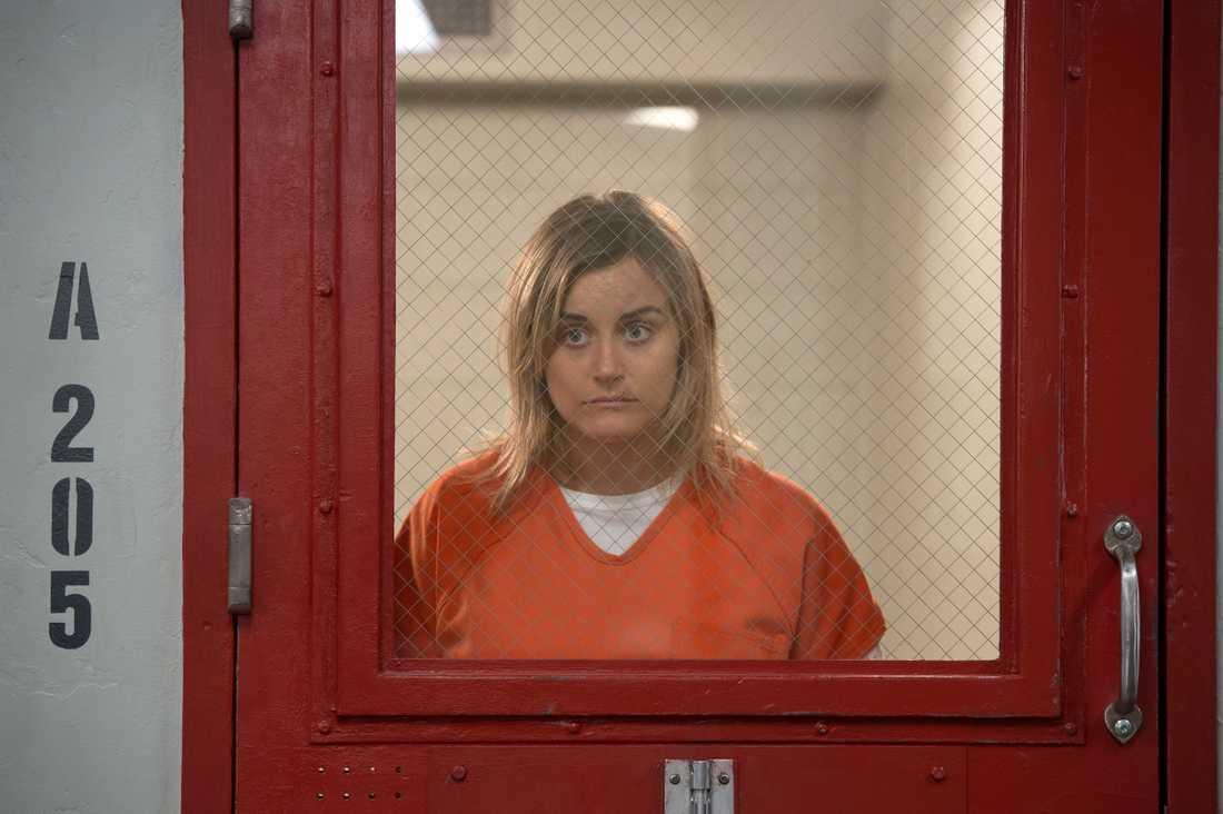 "Taylor Schilling som Piper i säsong sex av ""Orange is the new black""."