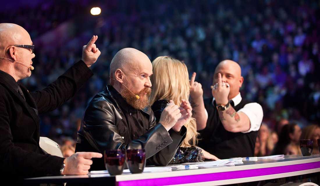 """Tuffa nypor """"Idol""""-juryn har kavlat upp ärmarna och snörat på hårdhandskarna inför säsongspremiären i kväll- det kommer att bli tuffare duster än någonsin i programmet."""