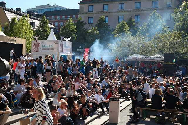 Fler hundra tusen besökare gästar varje år festivalen Smaka på Stockholm.