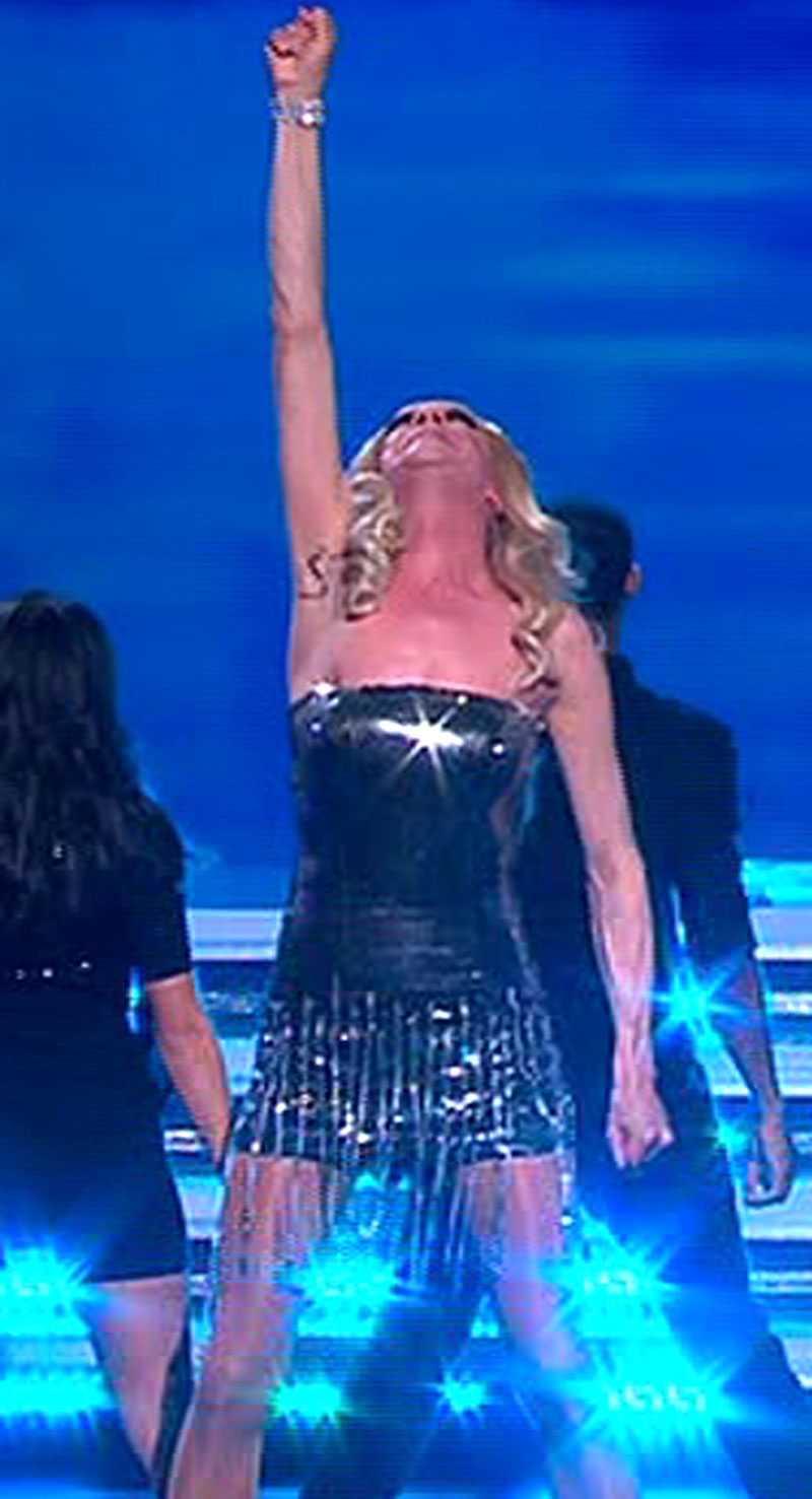Dragshowartisten BCO gjorde narr av Charlotte Perrelli – som satt i juryn.
