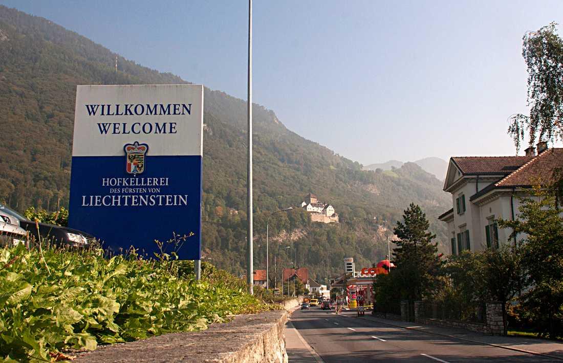 """Liechtenstein Trippens andra pyttelilla land slog det första med hästlängder. """"Till skillnad från Luxemburg var det genuint och gammalt och vackert. Den här kyrkan, Schaan Church, tornade upp sig framför bergen när vi körde in i en liten by intill huvudstaden och det var en riktigt mäktig syn"""""""