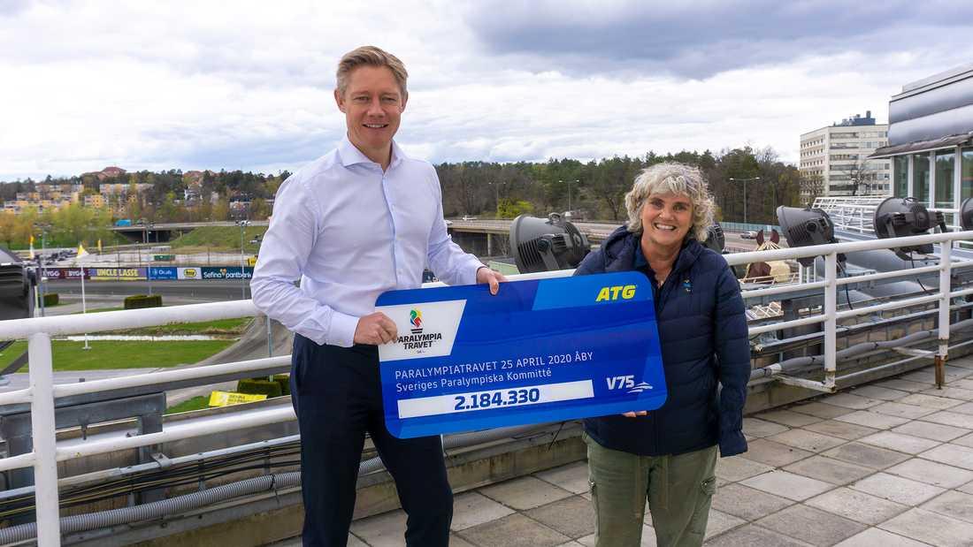 ATG:s vd Hasse Lord Skarplöth och Åsa Llinares Norlin, ordförande i Sveriges Paralympiska Kommitté.