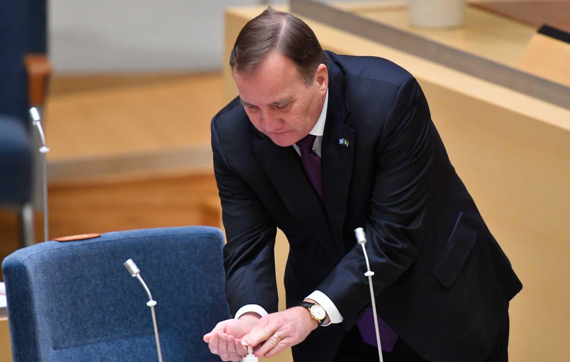 I stället för fler nedstängningar borde statsminister Stefan Löfven påminna om att sprita och tvätta händerna i ett tal till nationen.