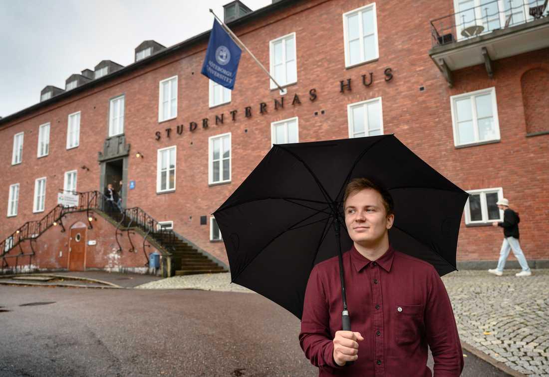 """Bostadsbristen är fortsatt ett stort problem för studenter. """"Det är svårt, det är många som har problem"""", säger Axel Andersson, ordförande i Göta studentkår i Göteborg."""