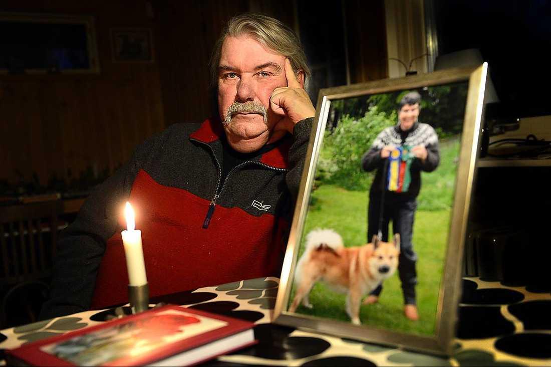 """""""Jag saknar henne fruktansvärt mycket""""Änklingen Jan Westenheim, 62, har anmält Enköpings lasarett till Socialstyrelsen och lämnat in en polisanmälan om försummelse och vållande till annans död. """"Det som har hänt är en total katastrof"""", säger han."""