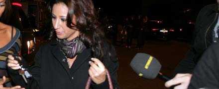 FLYDDE TILL BILEN Efter beskedet att hon inte längre får vara programledare i TV 400, flydde Katrin omedelbart från tv-studion.
