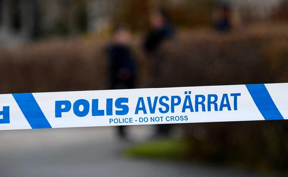 En ännu oidentifierad man hittades medvetslös utomhus i närheten av polishuset i Borlänge. Händelsen utreds som mordförsök. Arkivbild.
