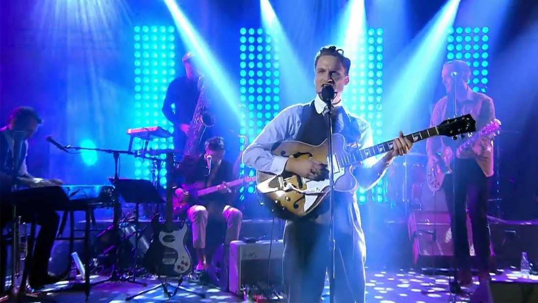 """I tio år har Augustifamiljen svarat för musiken i """"På spåret""""."""