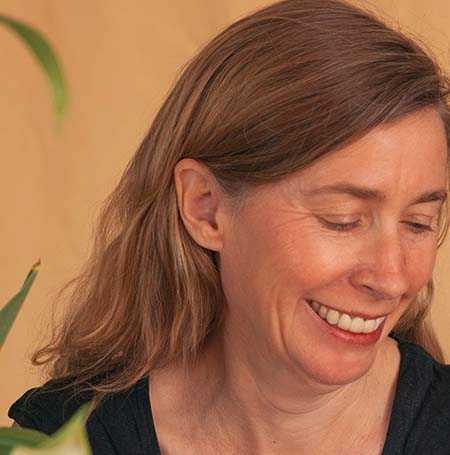 Juliana Spahr (född 1966), amerikansk poet, kritiker och redaktör.