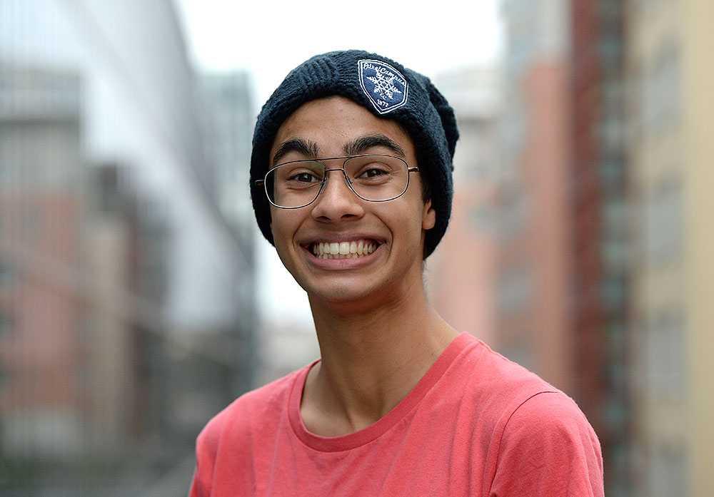 """William Spetz, 17, videobloggare. Antal år i juryn: 1 (ny för i år). """"Juryarbetet har gjort att jag inser hur viktigt det är att vi uppmärksammar, stärker och pratar om medmänsklighet. Det behöver mer positivitet – det är alldeles för lite sånt!"""""""