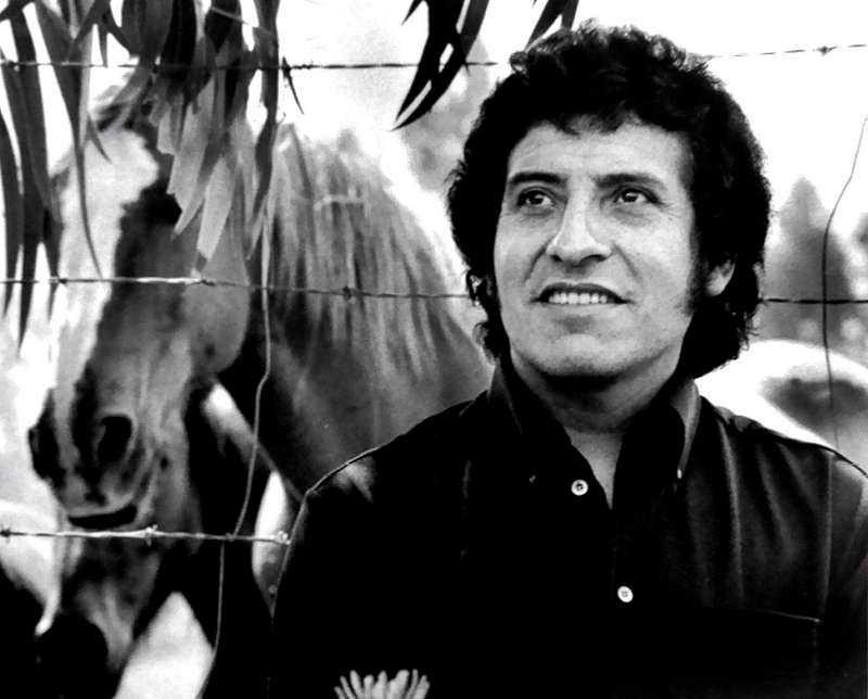Folksångaren Victor Jara skrev politiska texter och mördades i Chile 1973.