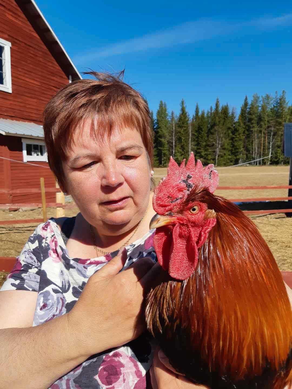 Carina Nordqvist, 56, vill visa upp äldreomsorgens glada sidor.