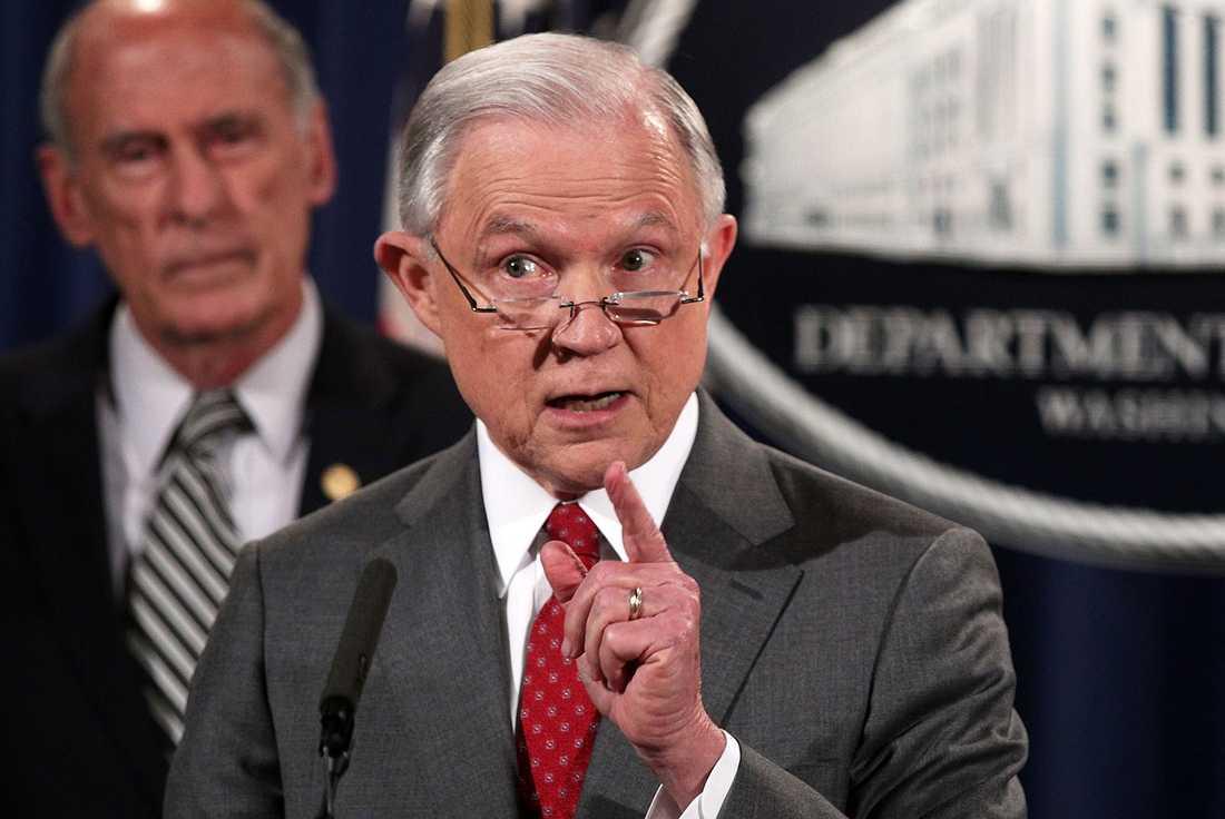 Attacken i Charlottesville var terrorism, menar USA:s justitieminister Jeff Sessions.