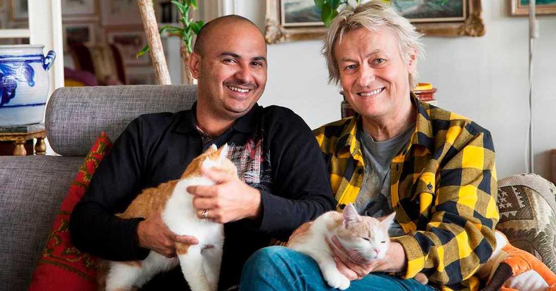 Lars Lerin (t h) och sambon Junior.