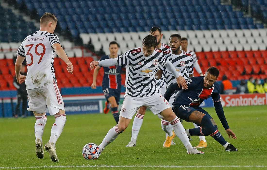 Manchester United och Victor Lindelöf klarade oavgjort borta mot PSG.