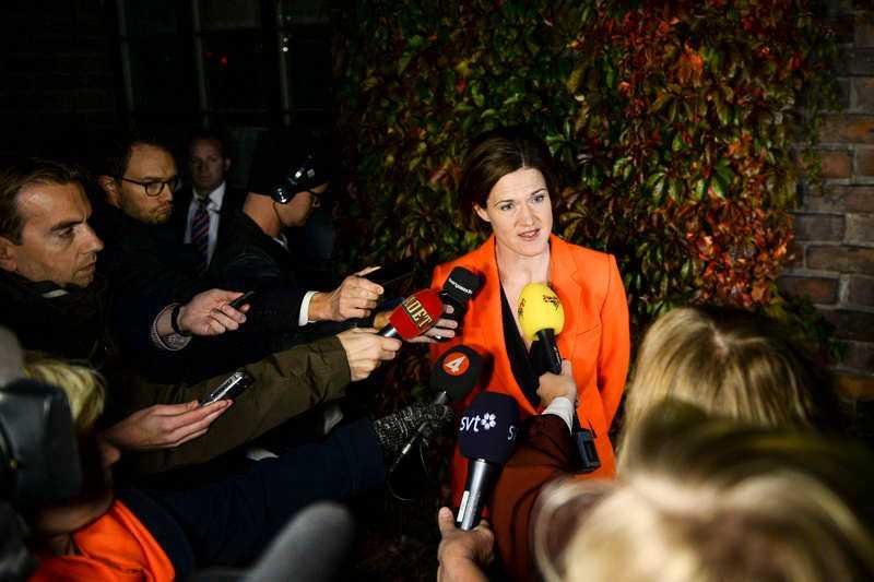 Hur länge gäller en uppgörelse med moderatledaren Anna Kinberg Batra? Den frågan måste både politiska motståndare och allierade ställa sig efter gårdagens flyktingutspel