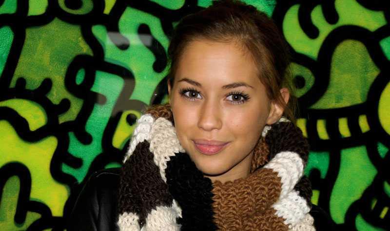 Kenza Zouiten, 17, blir presentatör på MTV.
