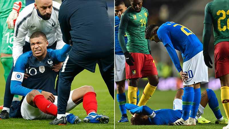Mbappé och Neymar grinar illa.