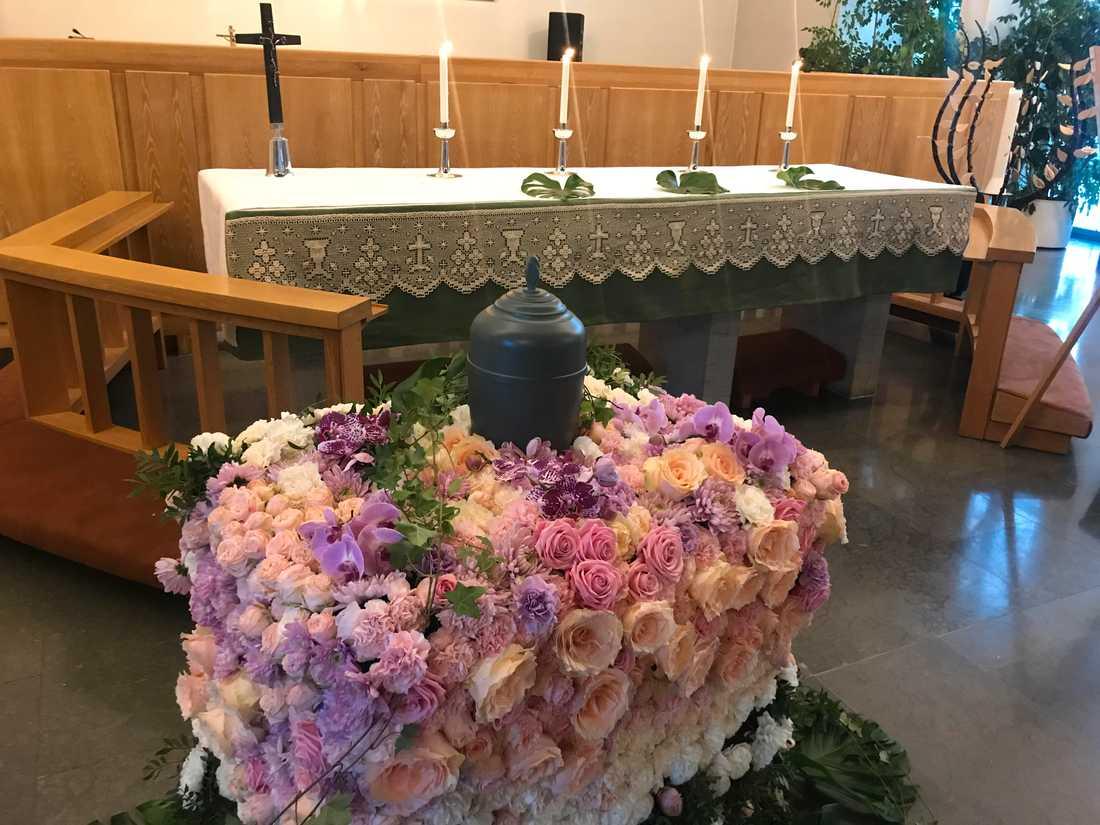 Lördagen den 12 januari, en månad efter Ida gick bort, hölls hennes begravning i Johannes kyrka.