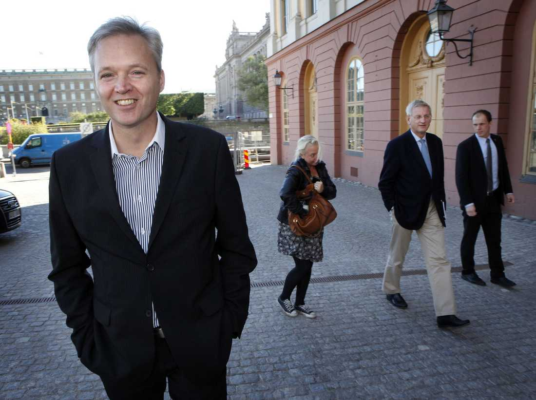 Sten Tolgfors, (m) Försvarsminister.
