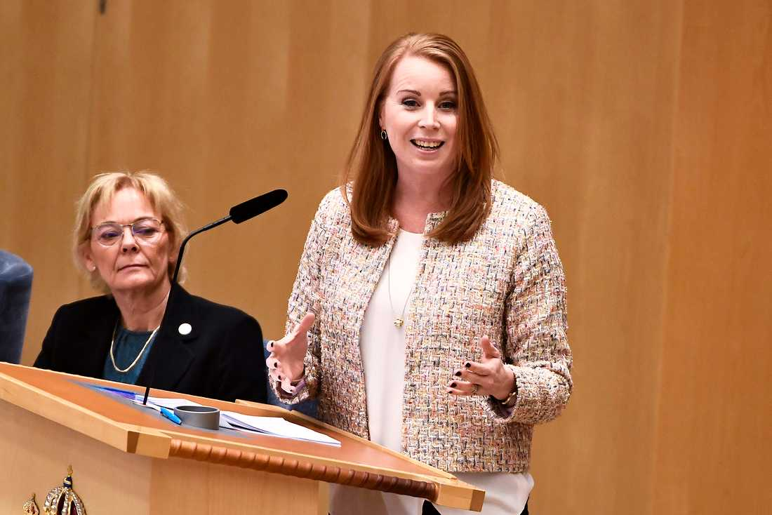 Centerns partiledare Annie Lööf (C) under partiledardebatt i riksdagen i Stockholm.